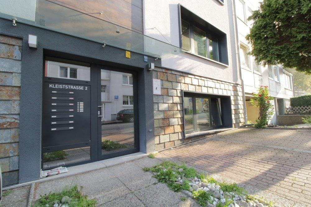 Wohnen & Arbeiten im hochwertig sanierten Souterrain mit 2 Terrassen, 2 Bäder zentral in Essen