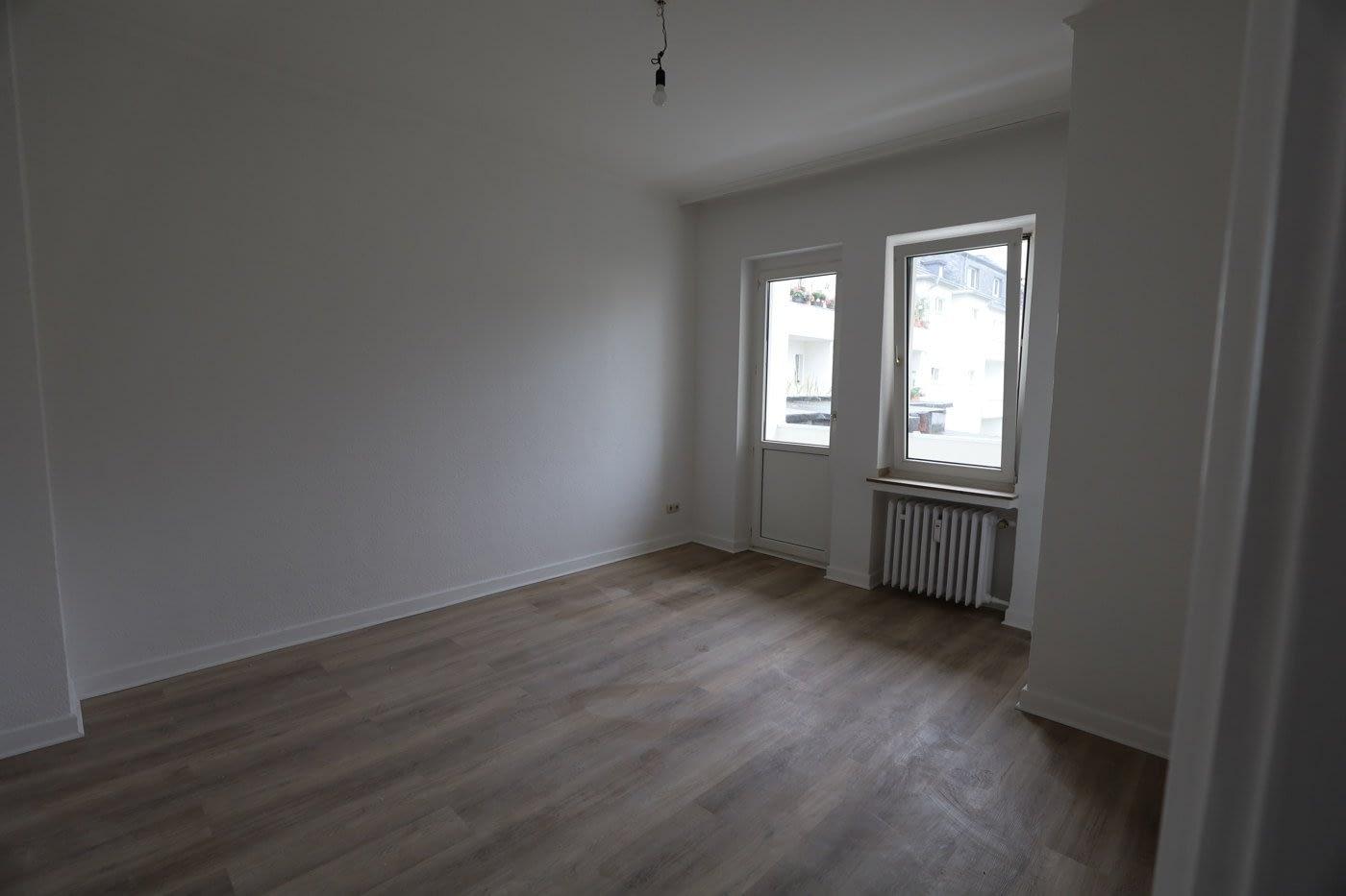 Helle 3 Raum Wohnung in Rüttenscheid mit Balkon und Balkonblick ins Grüne