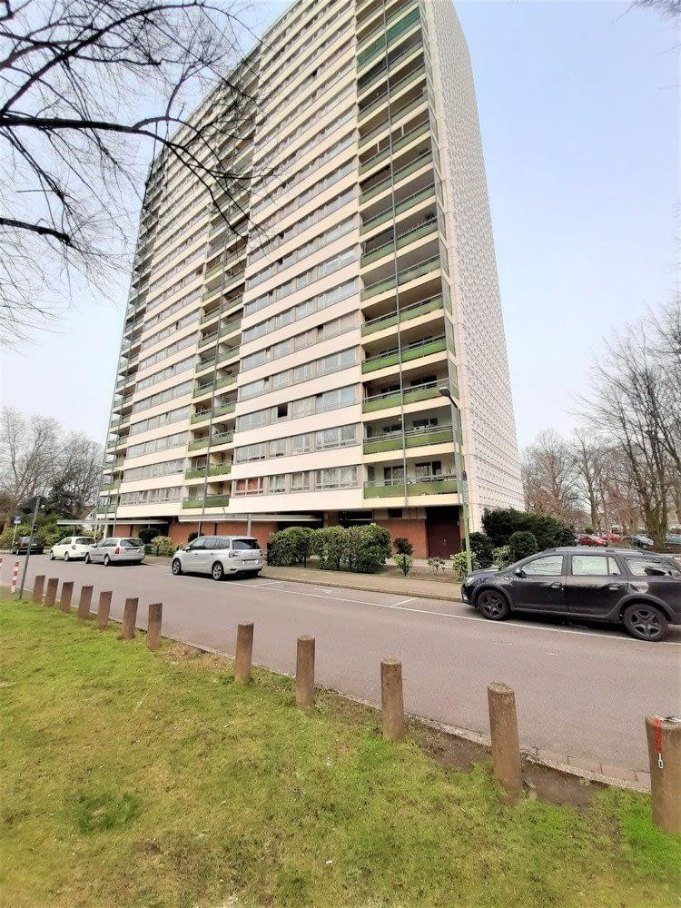 Wohnen mit schönem Blick über Hochheide! 85 m², 3 Zimmer (renoviert)