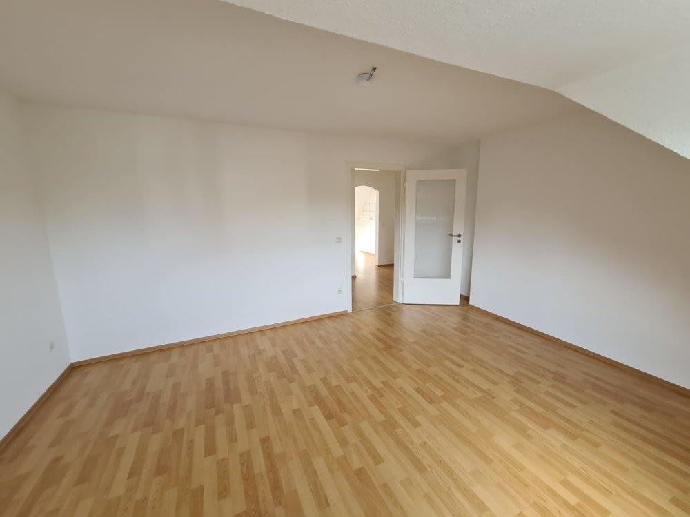 wunderschöne 3 Zimmer Dachgeschoss Wohnung in ruhigem Haus & Lage von Essen Borbeck